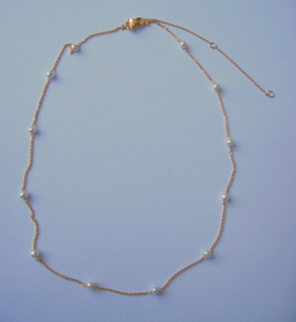 fine short gold-plated silver chain with Biwa pearls | mancherlei
