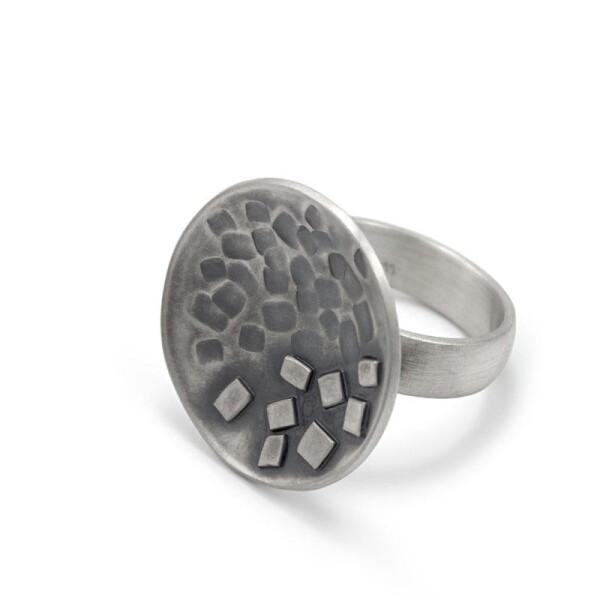 Large ring blackened silver MAEVA | ringlein und noch mehr