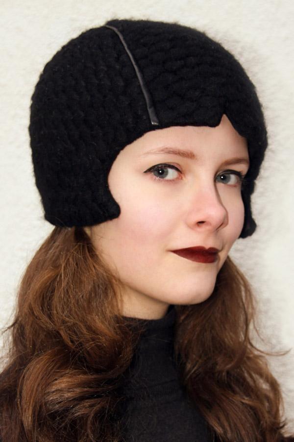 black corner cap KARA_198 | MOLOTOW