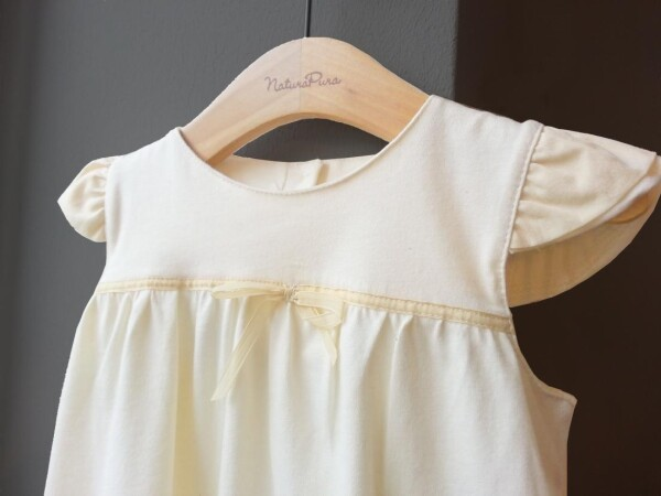 Baby baptism dress made of 100% organic cotton in ecru | YOUNAHLEE fabrics & accesoires