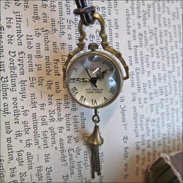 Small epoch - mechanical chain watch on leather strap | Carol and Me