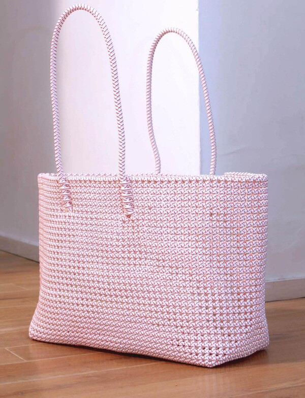 Wicker basket white / red disco | Lotus Collection