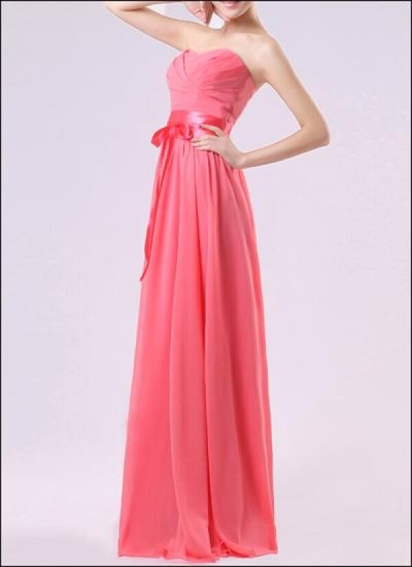 Chiffon evening dress with corsage and sweetheart neckline | Lafanta | Abend- und Brautmode