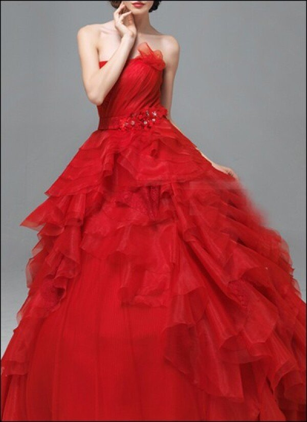 Red ball gown with waist belt | Lafanta | Braut- und Abendmode