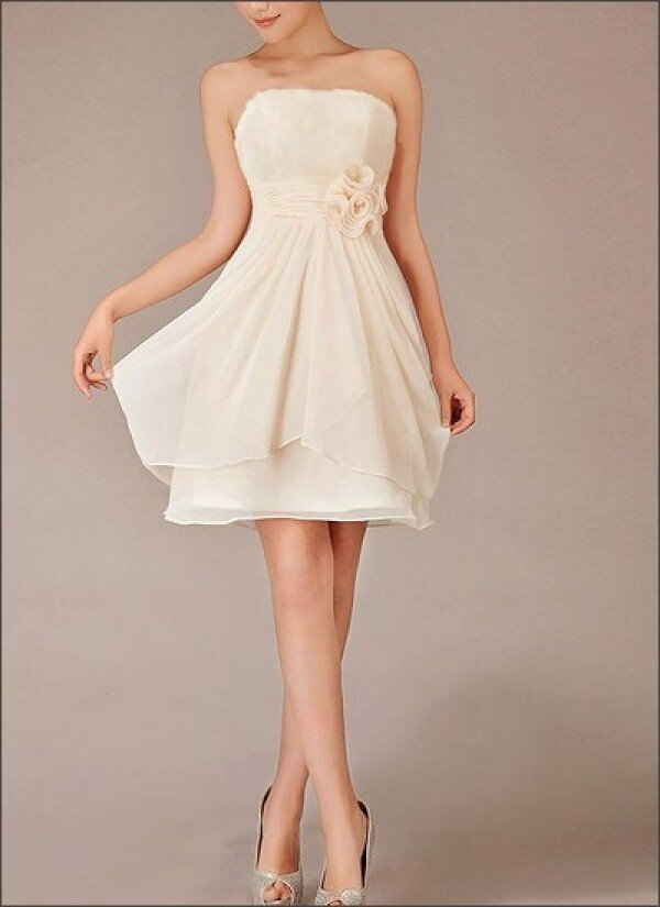 Short chiffon wedding dress with flowers Registry Office | Lafanta | Braut- und Abendmode