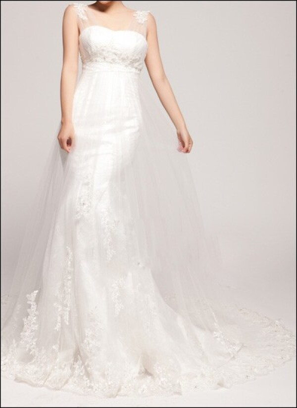Empire wedding dress with tulle straps | Lafanta | Abend- und Brautmode