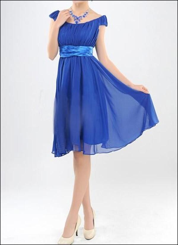 Short wedding gown covering the shoulders | Lafanta | Braut- und Abendmode