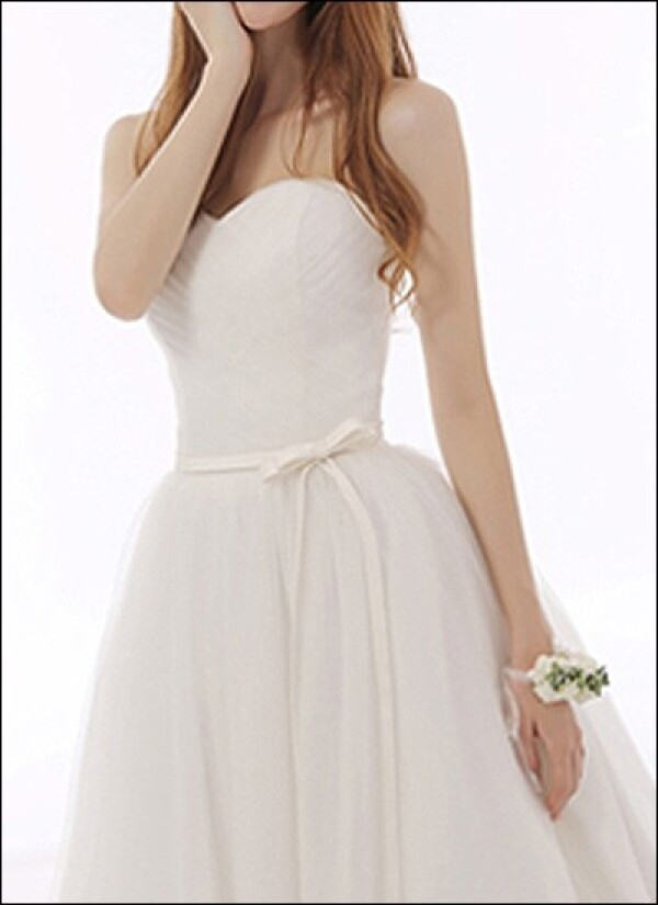 Simple tulle wedding dress a-line with Ribbon | Lafanta | Braut- und Abendmode