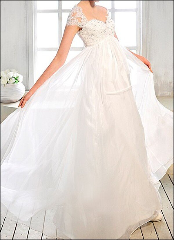 Empire bridal gown with Ärmelchen | Lafanta | Abend- und Brautmode