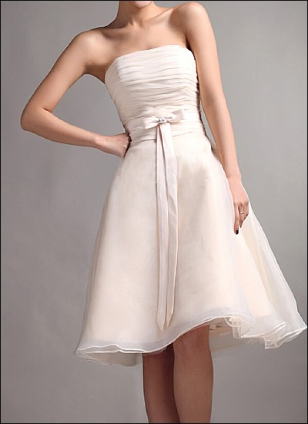 Knee-length dress with ruffle and bow | Lafanta | Braut- und Abendmode