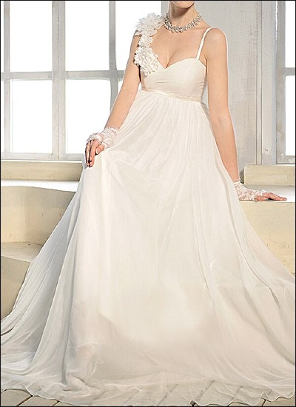 Empire chiffon bridal dress with straps and flowers | Lafanta | Abend- und Brautmode