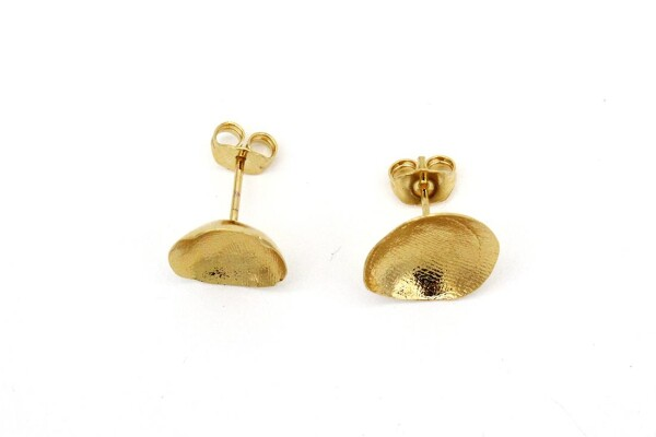 Stud gold earrings | Nokike Atelier