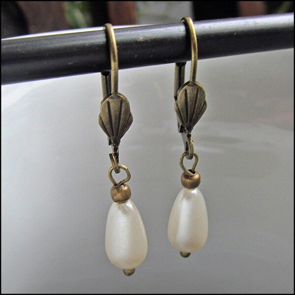 Bronze Pearl Earrings | Carol and Me