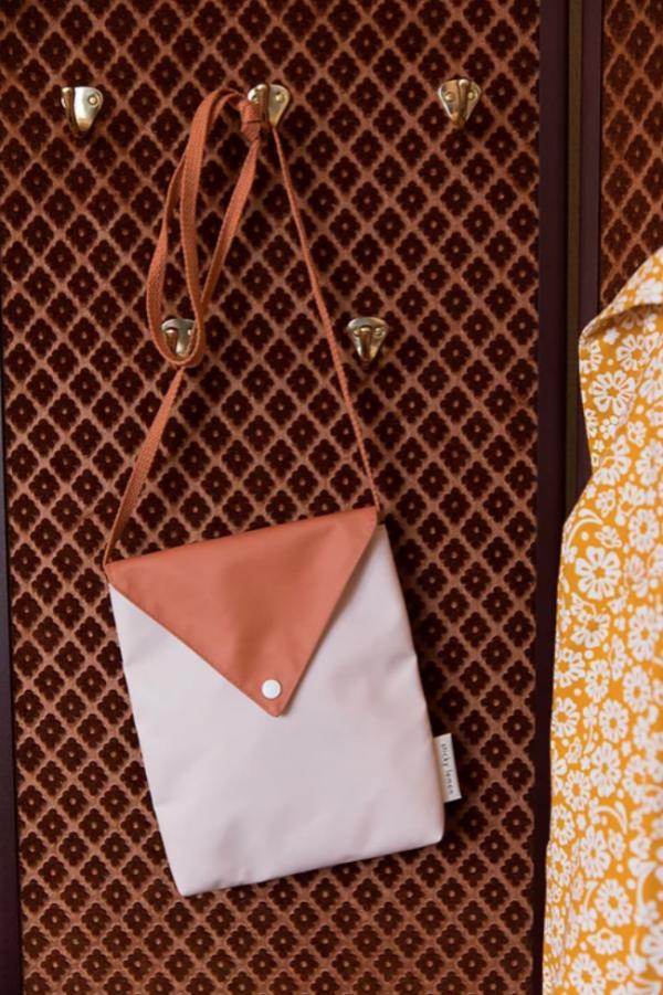 Sticky Lemon Green Bag in Letter Design   Papperlapapp