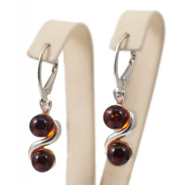 Silver earrings with cognac-color amber | BalticBuy