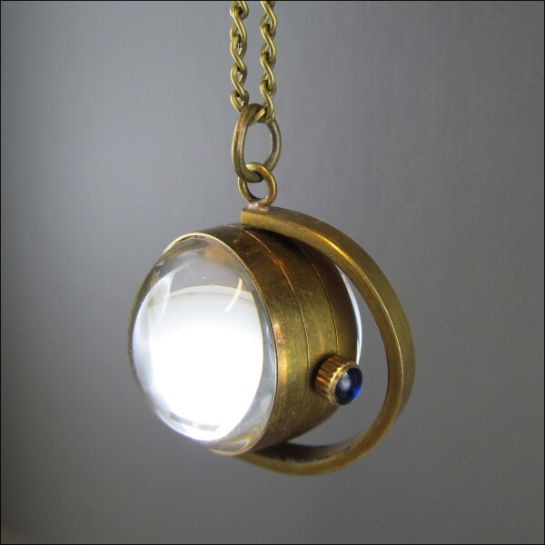 Sphere - Pretty mechanical ball clock on the chain | Carol and Me