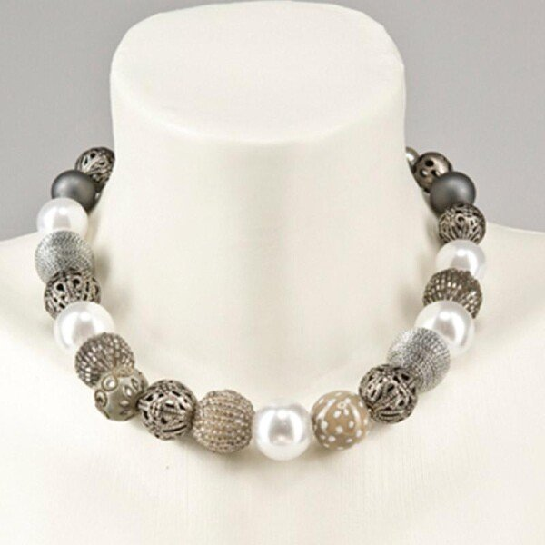 Short pearl necklace Bollywood silver gray made of a fine material mix | Perlenmarkt