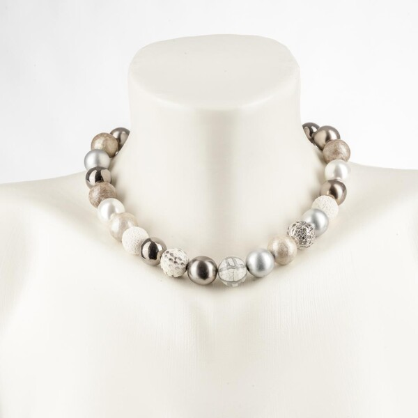 Short pearl necklace New Bowls gray made of a fine material mix | Perlenmarkt