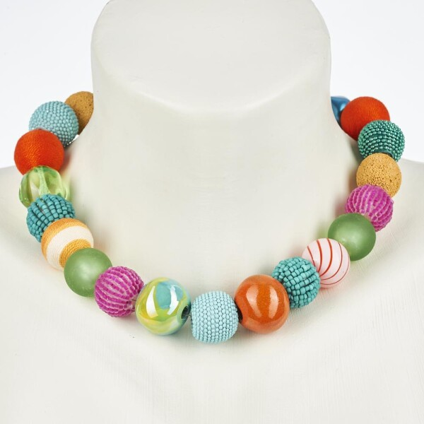 Short pearl necklace Bollywood Multicolor made of a fine material mix   Perlenmarkt