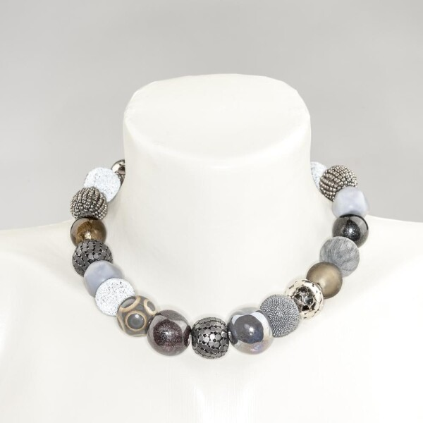 Short pearl necklace Bollywood anthracite made of a fine material mix   Perlenmarkt
