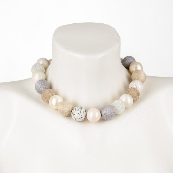 Short pearl necklace Bollywood Macaron made of a fine material mix   Perlenmarkt