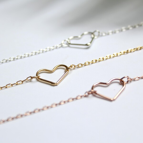 Short necklace with heart motive silver plated   Perlenmarkt