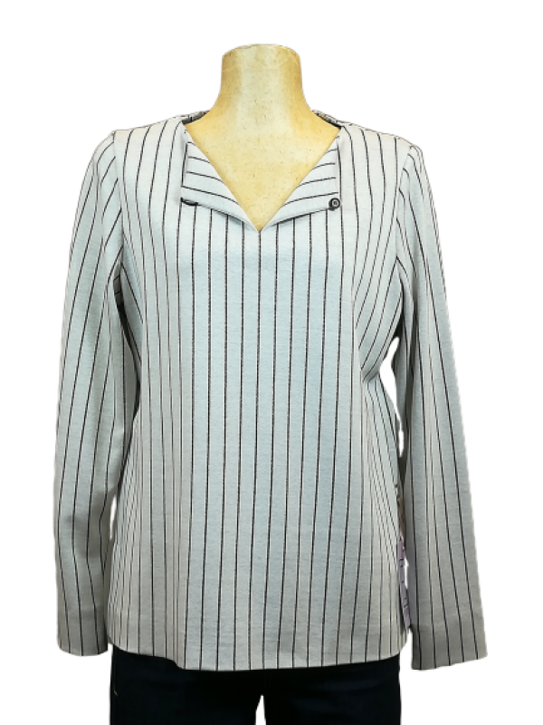 white and black striped jersey shirt | Florentine Kriess