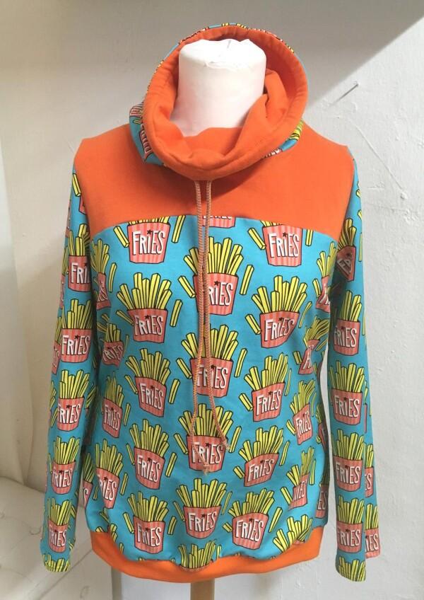 Sweatshirt with french fries size L   Eva Brachten Modedesign