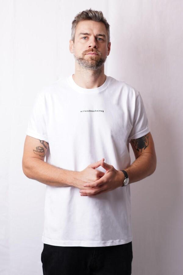 heavy t-shirt - white   mittwochnachmittag