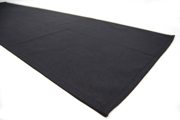 Black table runner | roomOutfit
