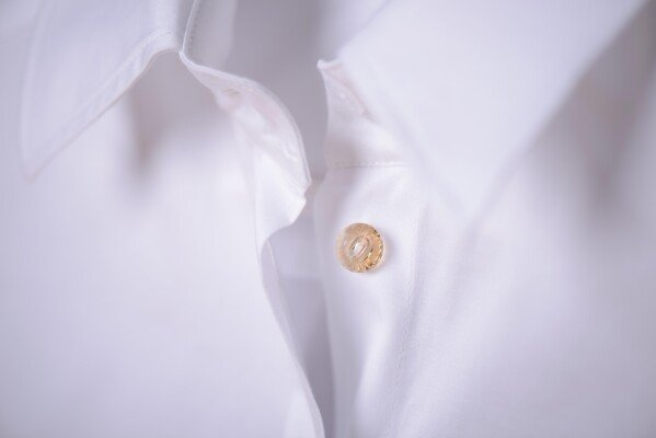 White blouse with decorative button | freifrau