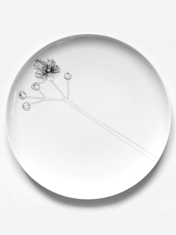 Porcelain plate with linden blossom design   Lipa store
