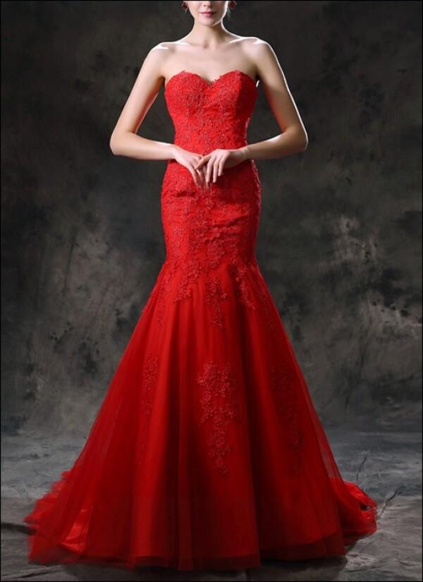 Red Mermaid wedding dress with train | Lafanta | Abend- und Brautmode