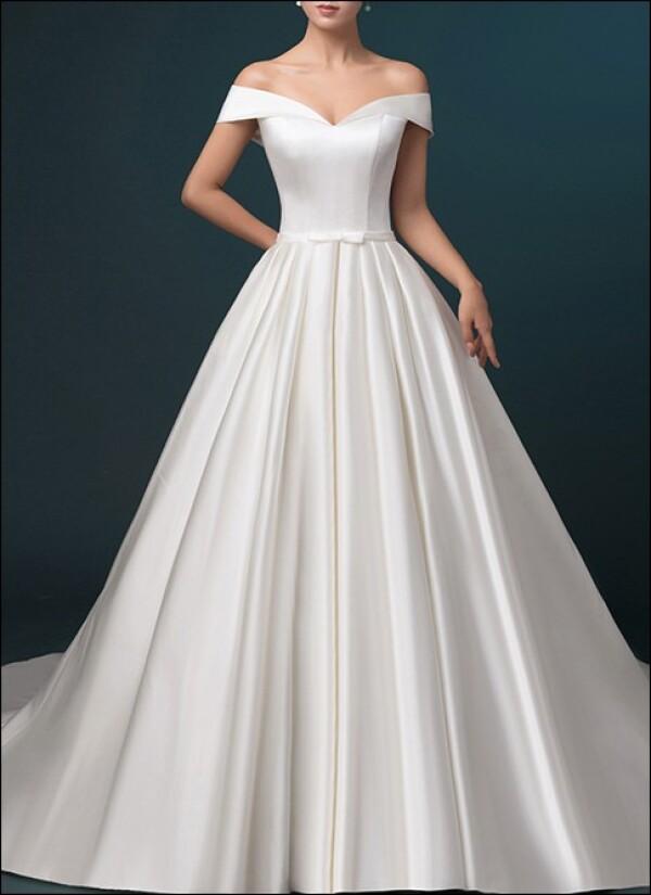 Satin wedding dress a-line with pockets | Lafanta | Abend- und Brautmode