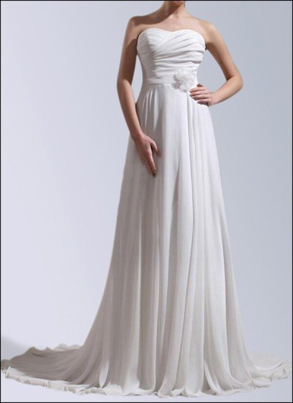 Wedding dress made of chiffon with button front and train | Lafanta | Braut- und Abendmode