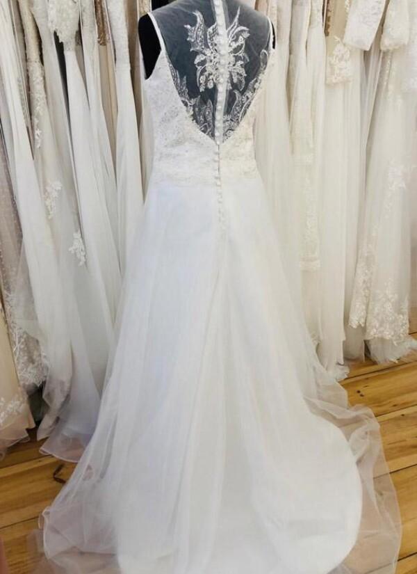 A-line wedding dress with embroidery | Lafanta | Braut- und Abendmode