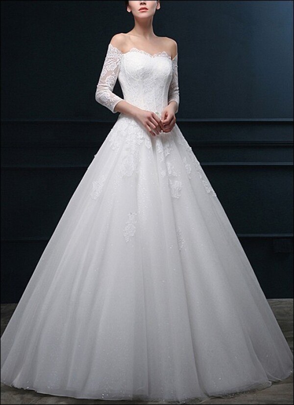 Princess wedding dress with bodice and sleeves | Lafanta | Abend- und Brautmode