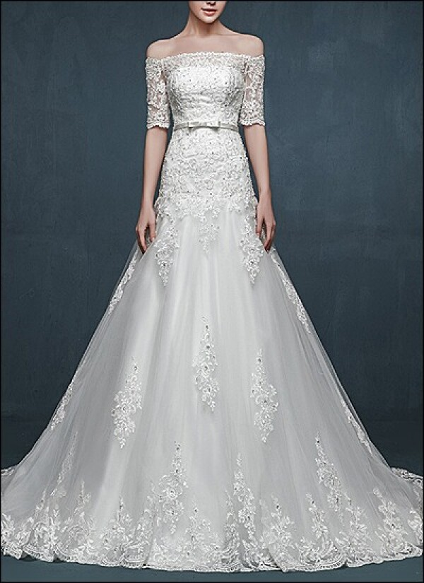 Elegant wedding dress lace with sleeves | Lafanta | Abend- und Brautmode
