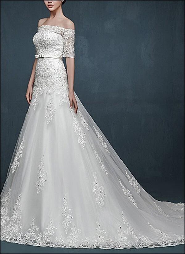 Elegant wedding dress lace with sleeves | Lafanta | Abend- und Brautmode