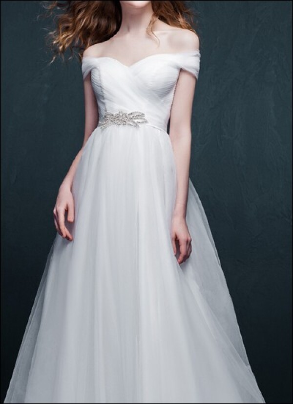 Romantic wedding dress with Ärmelchen | Lafanta | Abend- und Brautmode