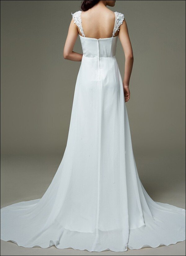 Empire bridal gown with carrier and waterfall rock  | Lafanta | Abend- und Brautmode