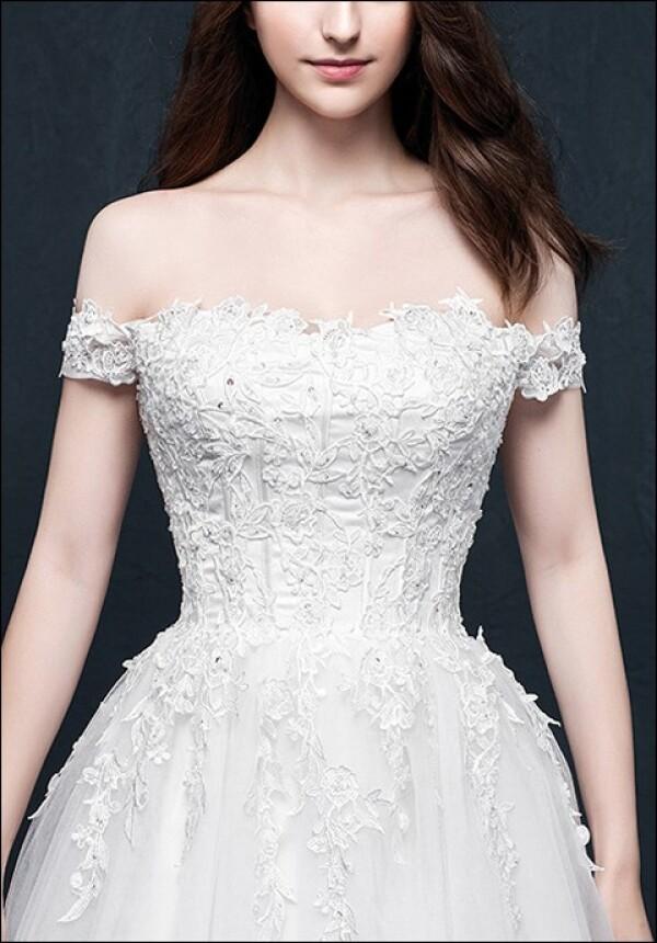 Wedding dress a-line with bodice and lace | Lafanta | Braut- und Abendmode