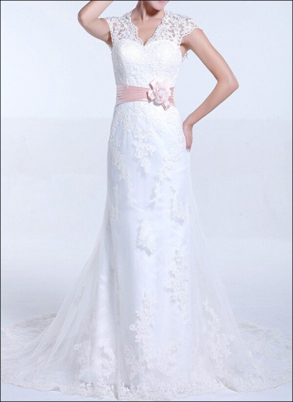 Sheath wedding dress with straps and train | Lafanta | Abend- und Brautmode