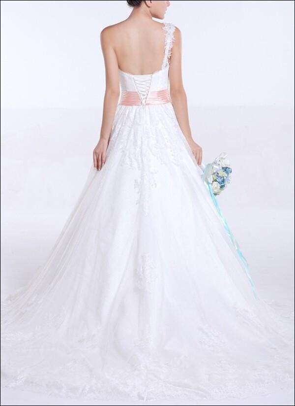 One-shoulder wedding dress lace Princess line | Lafanta | Abend- und Brautmode