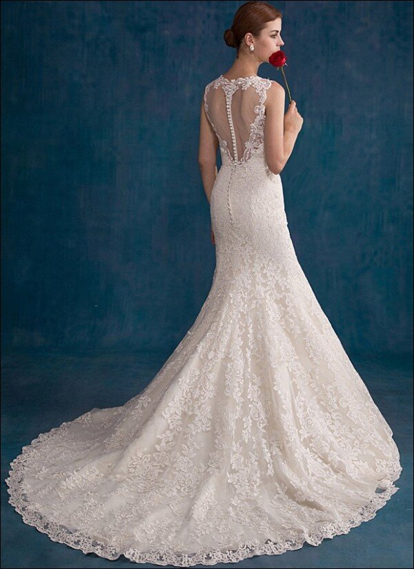 Backless Mermaid gown with lace | Lafanta | Braut- und Abendmode