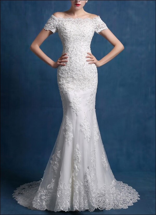Mermaid-cut with sleeves and lace wedding gown | Lafanta | Abend- und Brautmode