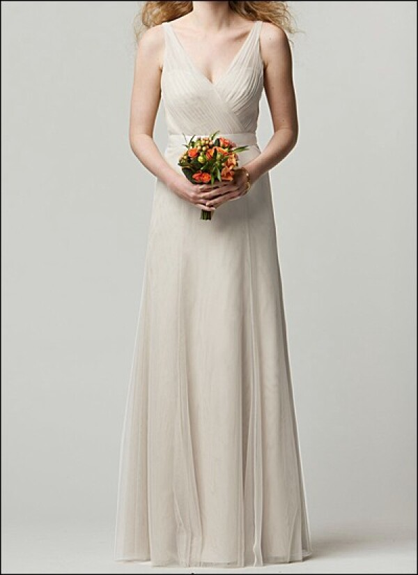 Tulle wedding dress with V-neck and bow | Lafanta | Abend- und Brautmode