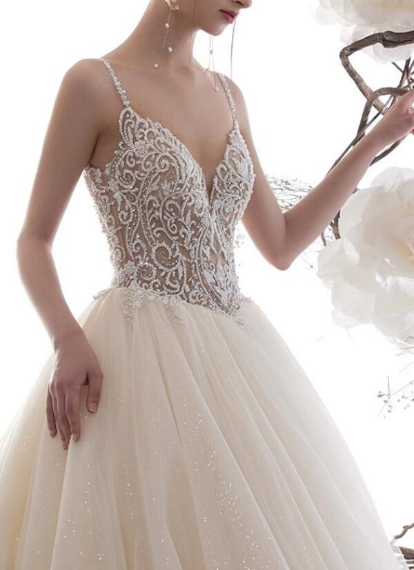 Princess wedding dress with glitter | Lafanta | Braut- und Abendmode