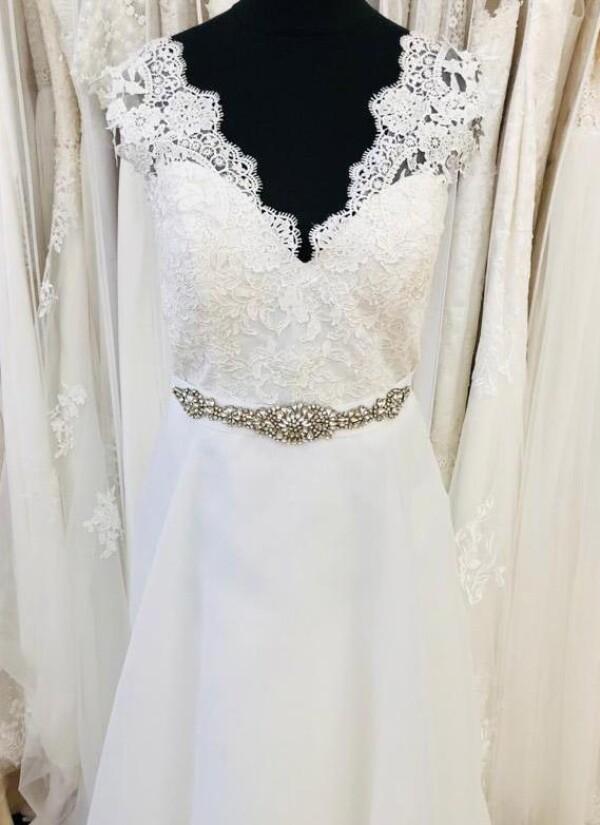 A-line wedding dress with straps   Lafanta   Braut- und Abendmode
