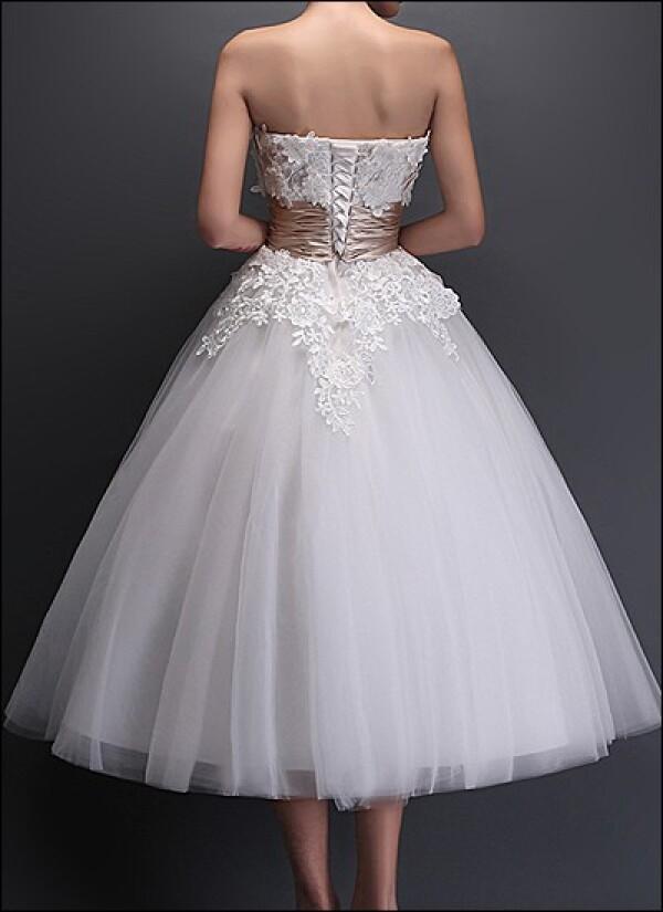 Vintage Brautkeid with lace | Lafanta | Braut- und Abendmode